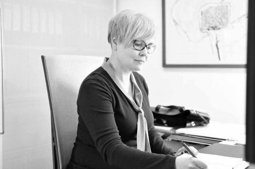Olga Hass, Ausbildung bei Plus Advise
