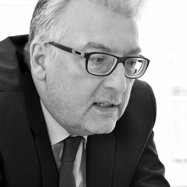 Stefan Nothers, Partner Plus Advise - Leistungen: Betriebswirtschaftliche Unternehmensberatung